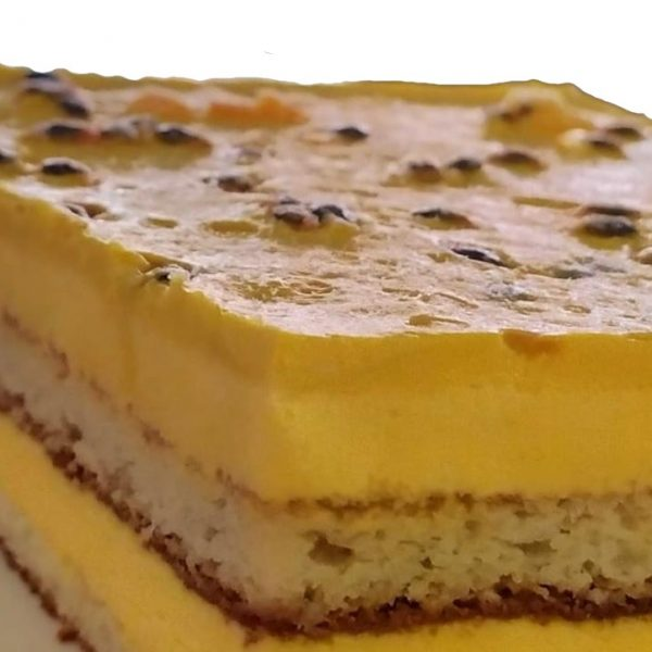 Tiramisú-de-Maracuyá-Philippe-Panaderia-y-Pasteleria-saludable